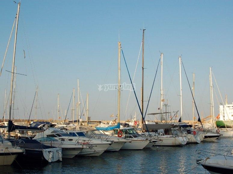 Fai le tue pratiche di navigazione nel porto di Garrucha