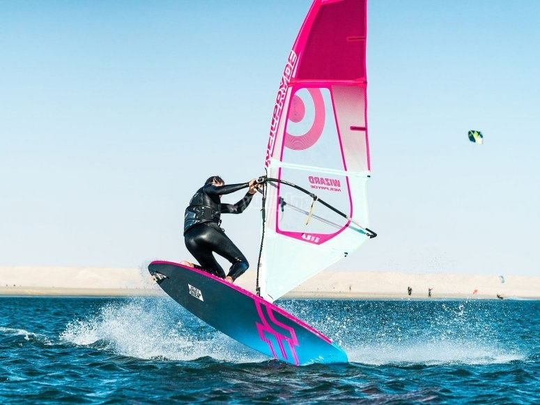 Improve windsurfing technique in Playa de Mil Palmeras