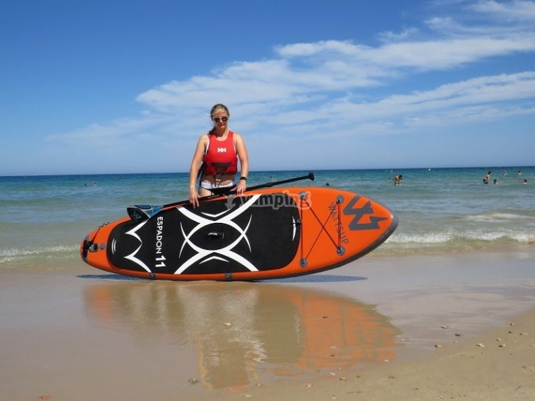 Alumna de paddle surf en Torrevieja