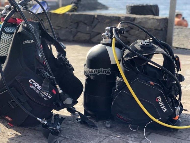 Il nostro team pronto per le immersioni nelle acque di Tenerife