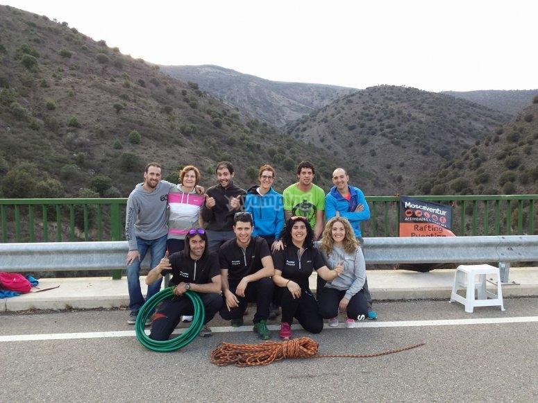 Gruppo di amici avventurosi a La Rioja - 999 - Attrezzato per il bungee jumping da Jubera