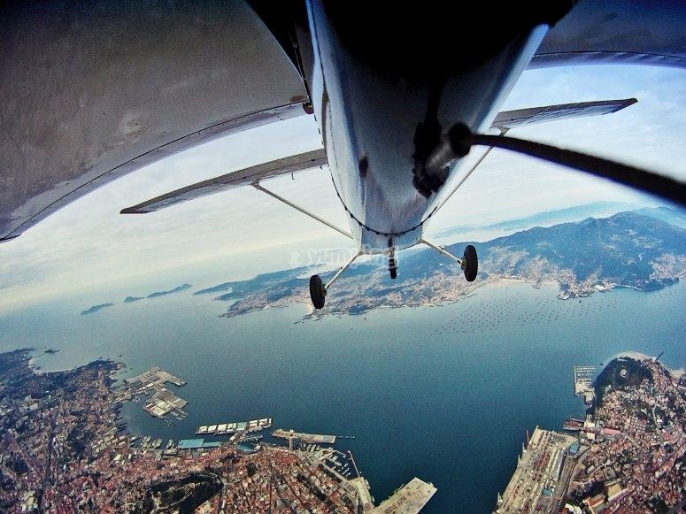 小型飞机的鸟瞰图