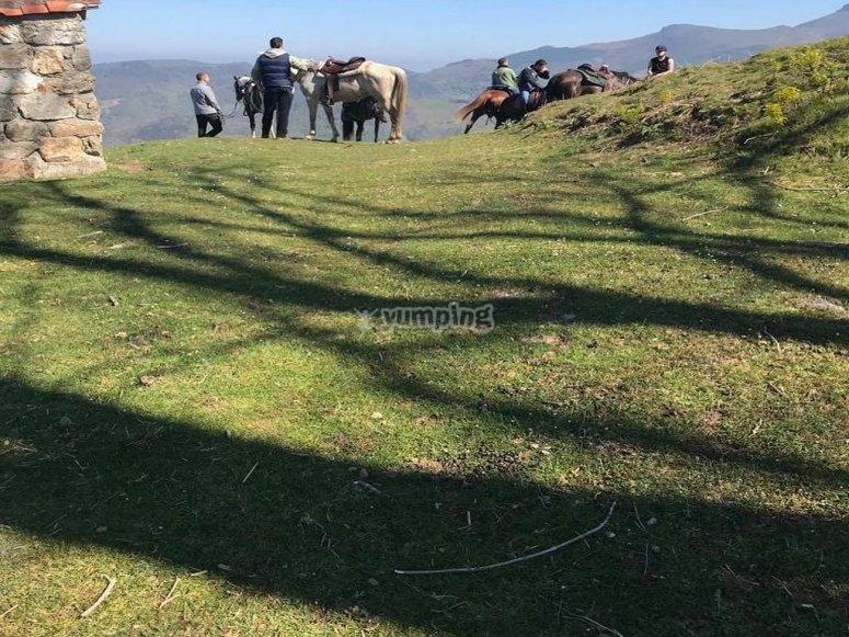 Cavalcando la valle del Baztan