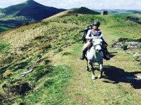 Percorso a cavallo per famiglie attraverso la Navarra