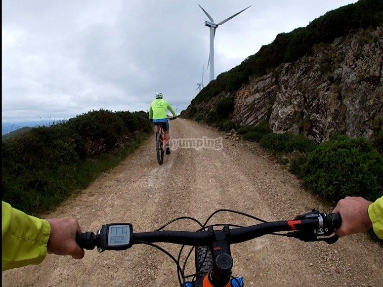 Ruta en ebike por Sierra de los Vientos