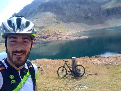 Percorso ebike autoguidato attraverso Las Caldas 4 giorni