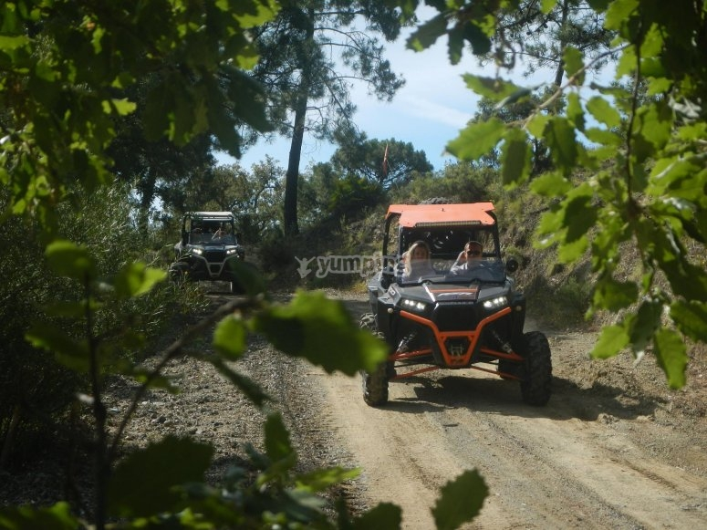 Il terreno montuoso della Costa del Sol in buggy