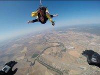 Volar y salto en paracaídas en Córdoba