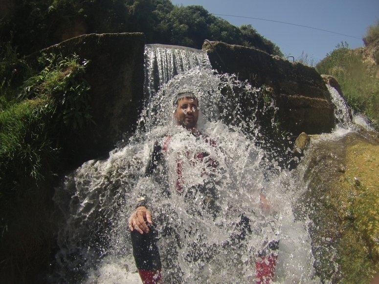 Gorgo de La Escalera Ravine的冷水