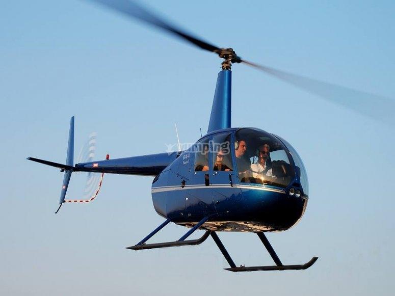 Travesía en helicóptero por los cielos de Girona