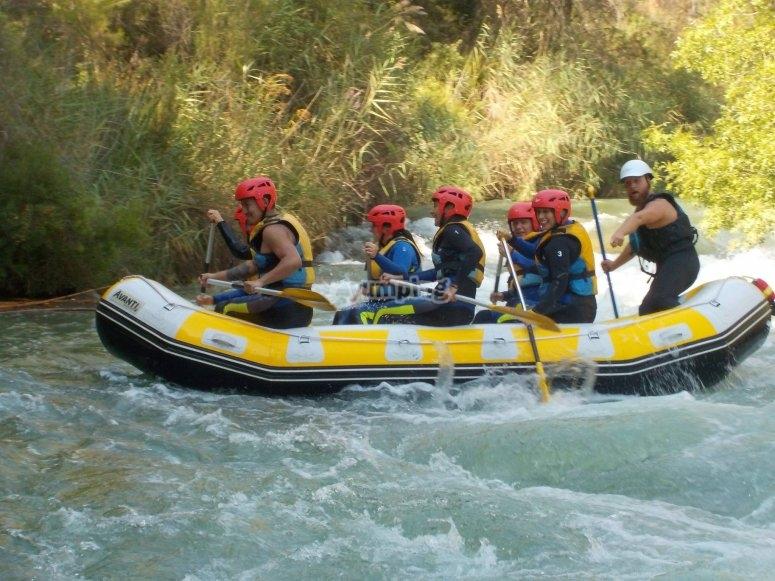 Descenso de rafting por río Cabriel