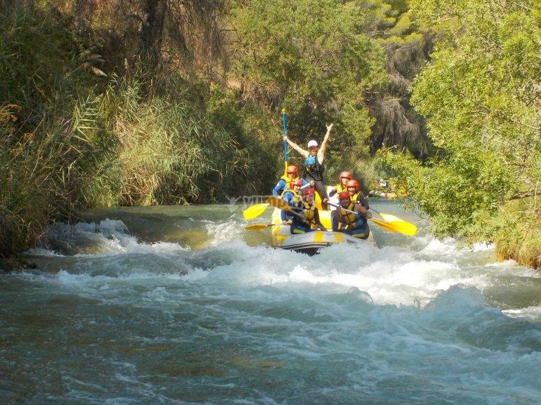 Descenso de rápidos por el río Cabriel