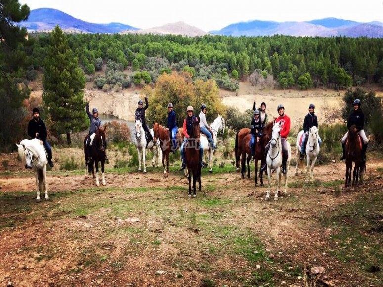 Excursión familiar a caballo en Buitrago