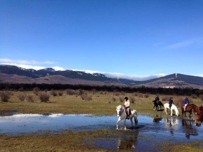 Paseo a caballo y ruta con piragua Buitrago 2h