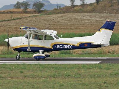 Pilota per un aereo leggero diurno Airfield Igualada 1h