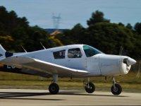 Avioneta a punto de despegar en Aeropuerto de Loiu