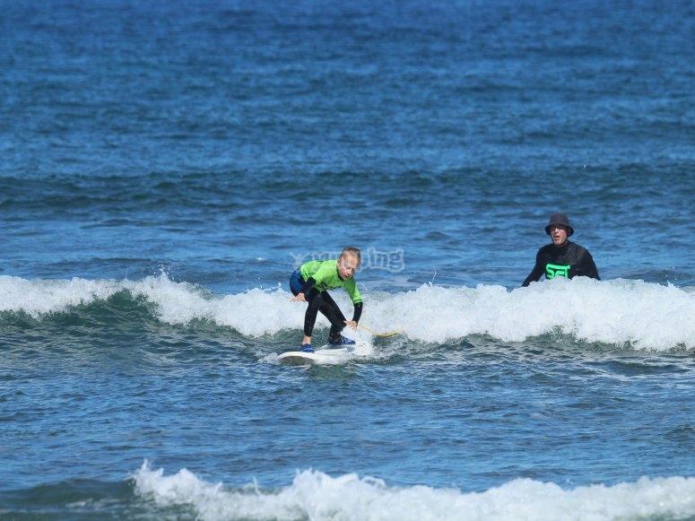 Clase de surf para principiantes