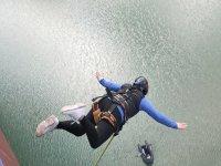 在穆拉(Mula)跳两个蹦极-从穆拉(30)的30米处跳跳-在穆拉桥(Mula Bridge)上跳回
