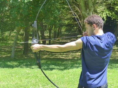 Archery class in Leoia club 2 hours