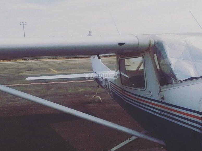 Avioneta con capacidad para 3 personas