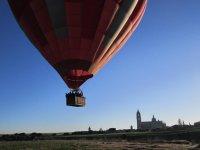Alcanzando altura en globo