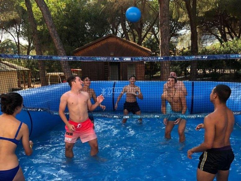 Tempo libero in piscina