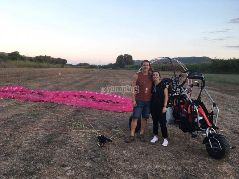 Happiness after practicing paramotor in Manacor