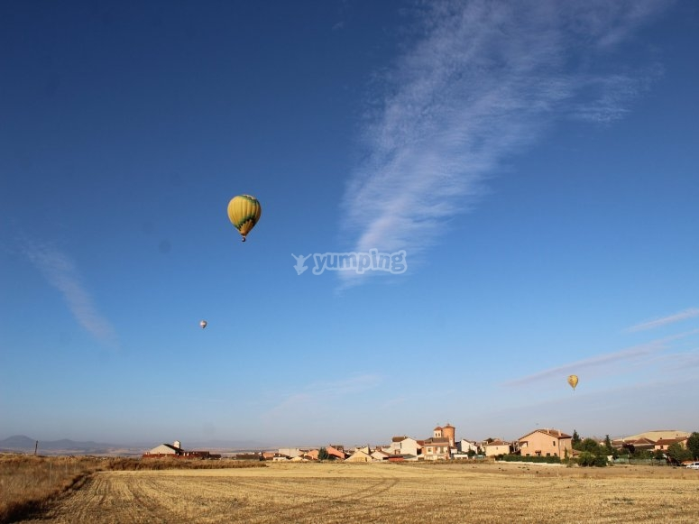 Fly over Ágreda in balloon