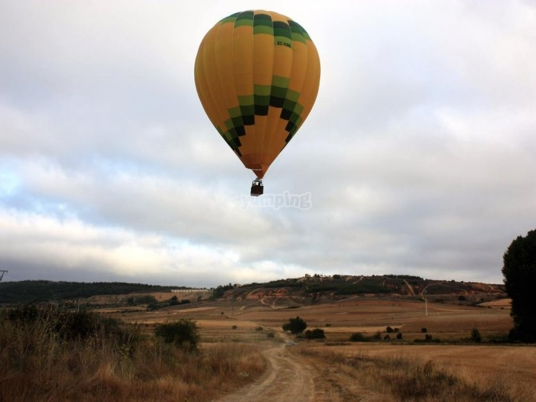 Moments before the landing of the balloon