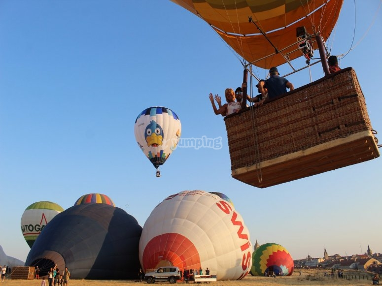 Group trip on a balloon in Toledo