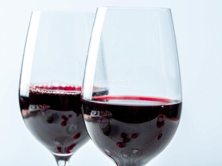 阿尔弗斯-德拉弗龙特拉的红酒品尝