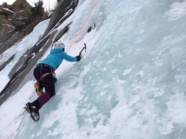 Bautismo de escalada sobre hielo