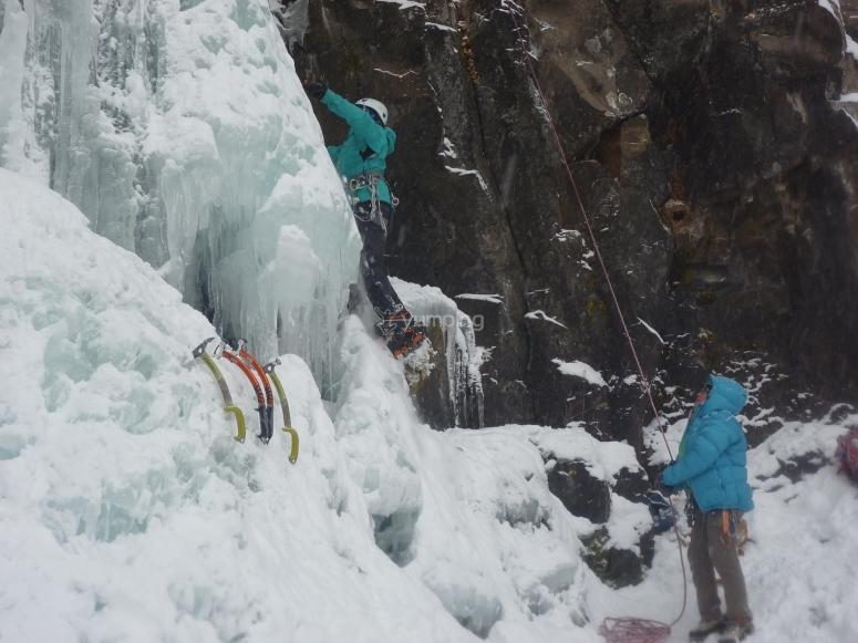 Día de escalada en hielo
