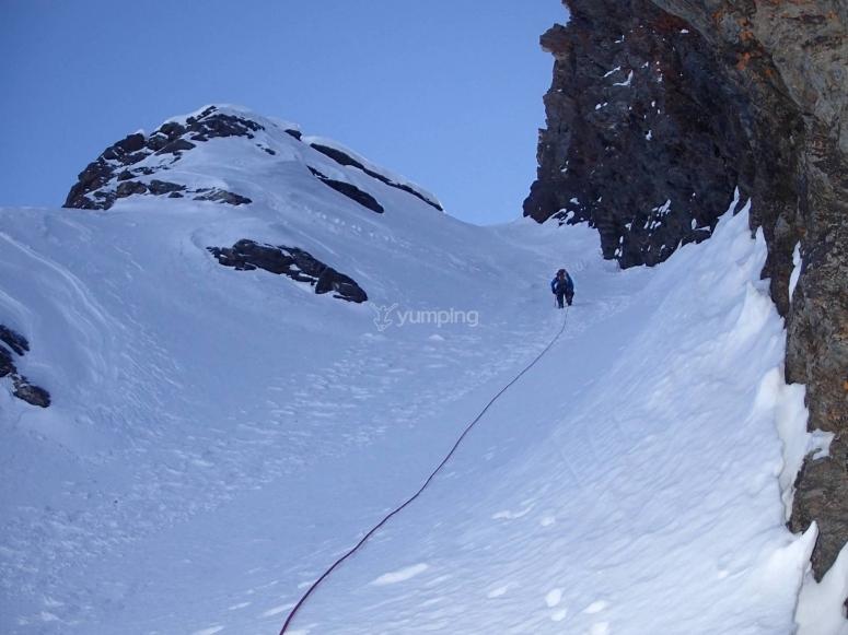 Alpinismo para montañistas preparados en Sierra Nevada