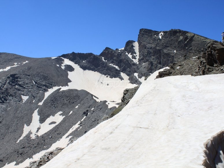 El Pico Veleta en plena época nival