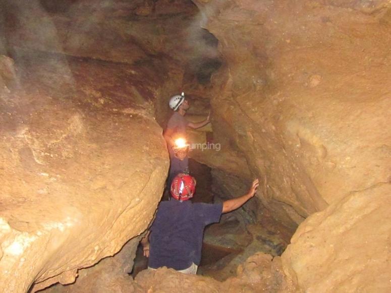 Paso estrecho Cueva del Agua