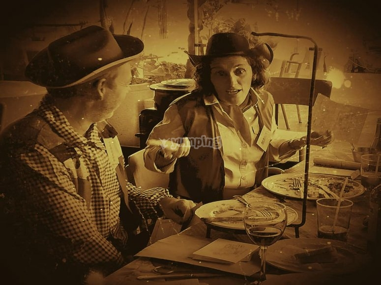 Cena tematizada en Fuengirola