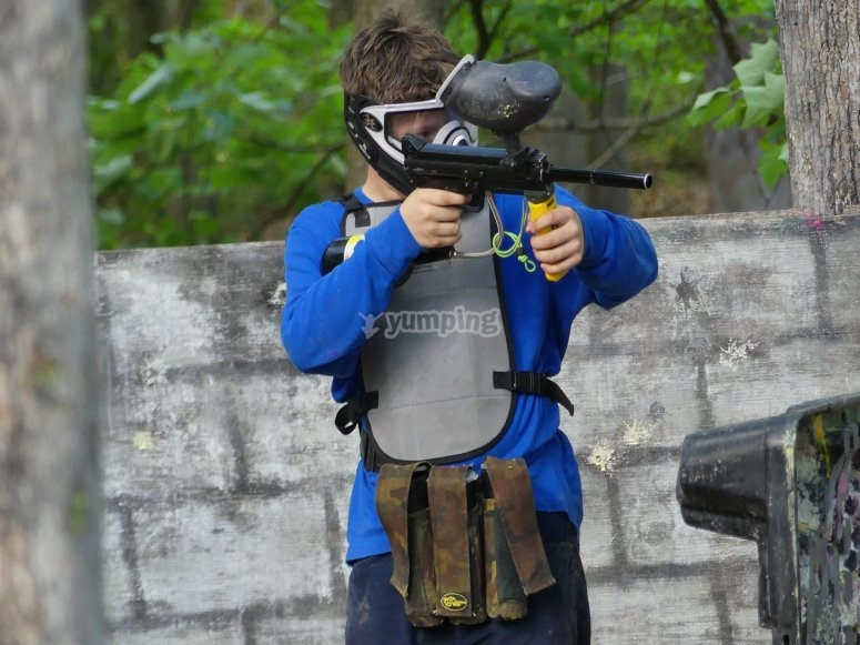 The marker paintball aiming at the opponent