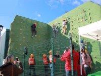 Arrampicata alla parete da arrampicata per bambini El Ronquillo