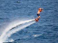 Estrenandose en el flyboard en Badalona