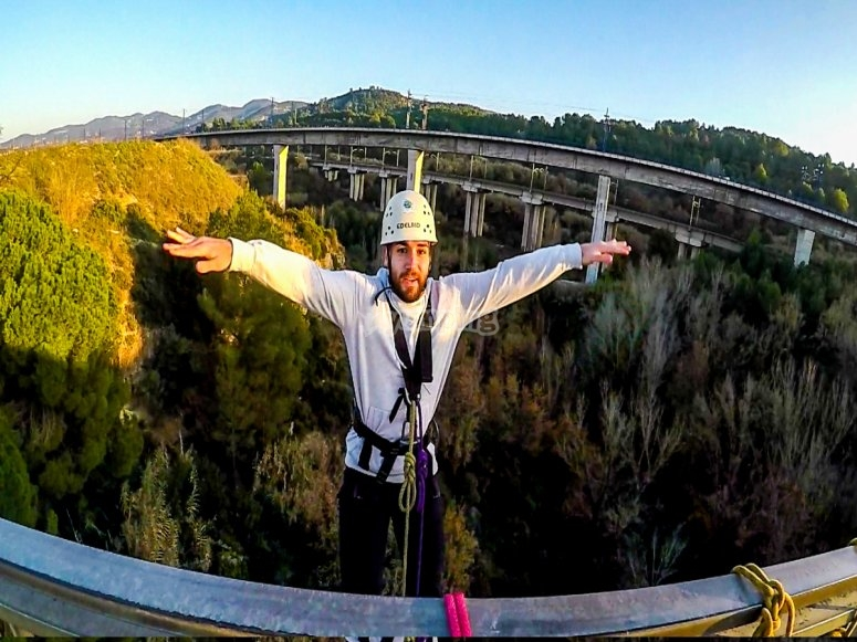 Bungee jumping from 30 meters Barcelona