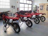 Las motos en el interior de las instalaciones