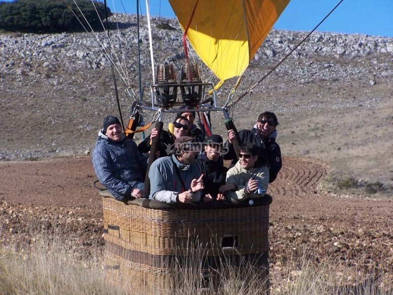 Balloon trip for 8 people in Navarra
