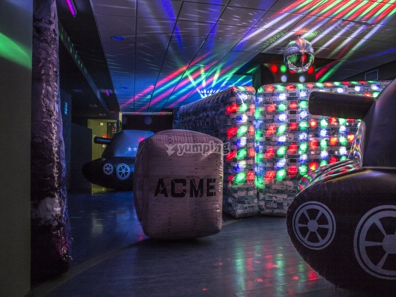 Set of lights and obstacles in laser tag room