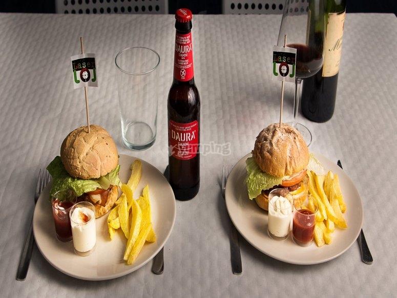 Pack de juegos y cena en León