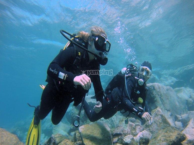 Salida de buceo en la costa de Radazul