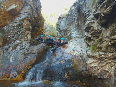 Canyoning di livello facile a Pozo Airón di 3h 30min