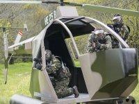 我们在直升机避难?