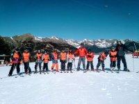 Clases de esquí para grupos de 10 alumnos