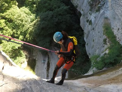 Descenso de barranco de Arteta en Navarra 4h